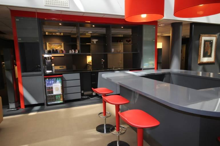 Meble dla firm, Meble firmowe, Meble biurowe, Meble hotelowe, Meble dla hoteli, Wyposażenie biur